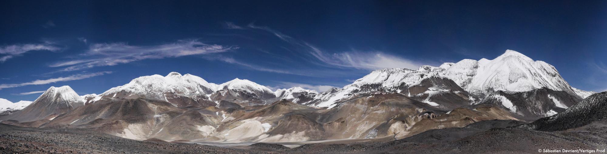 Panorama_sur_montagnes_enneigées_© Sébastien Devrient:Vertiges Prod